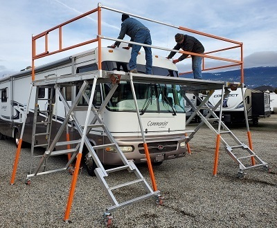 A picture of the Easy Access 8000 series Scissor Deck