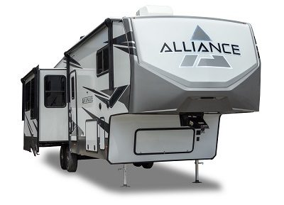 An exterior three-quarter view of the 2022 Alliance Avenue mid-profile fifth wheel